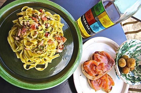 Il Salmone risale i torrenti fino ai piatti di Monteleone. Questo Week-End il Festival.