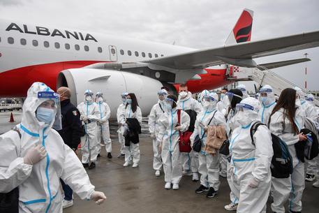 Arrivata nelle Marche task force di 58 infermieri albanesi