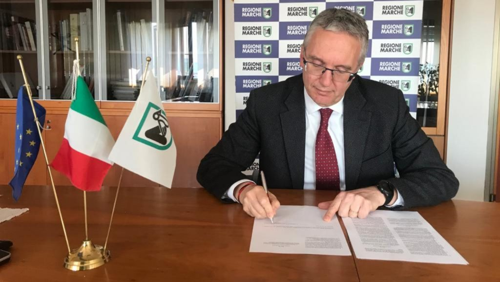 Lo Sport riparte, il Presidente Ceriscioli firma il decreto.