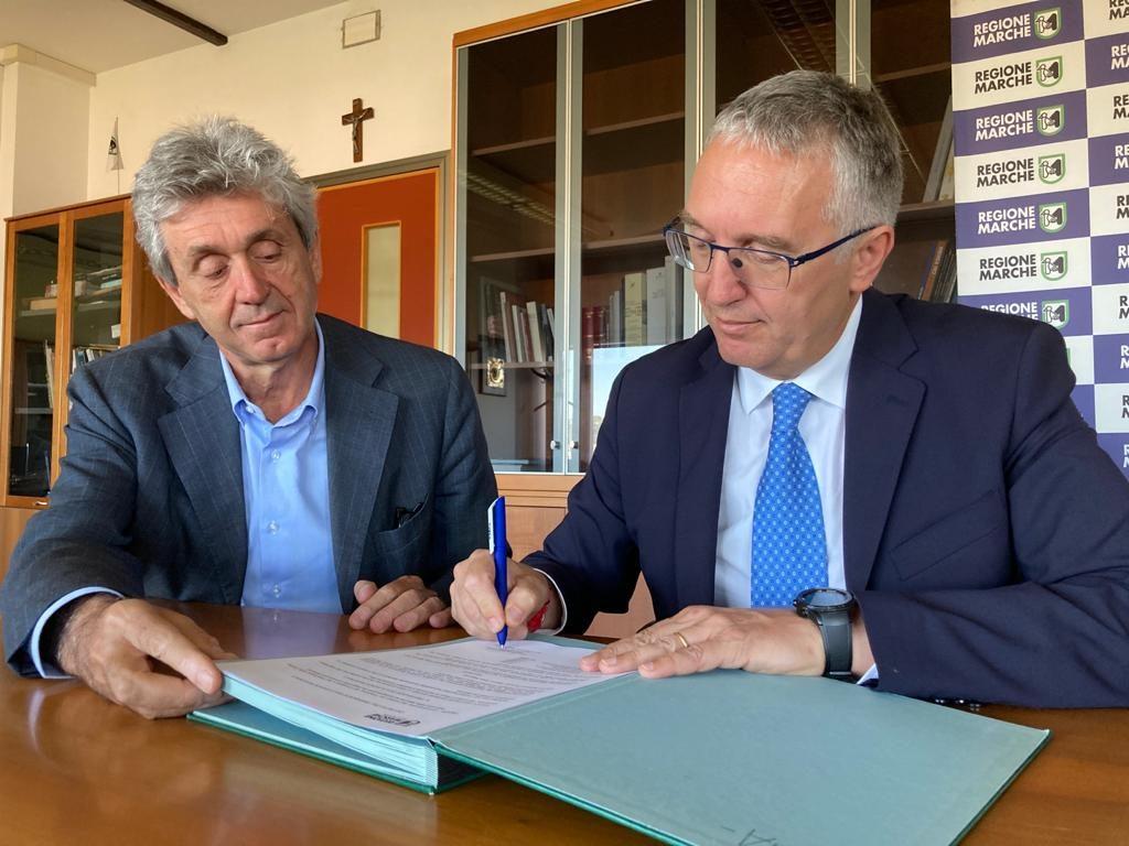 Il Presidente Ceriscioli firma decreto indizione elezioni 20 e 21 settembre