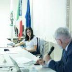 """Scuola, Azzolina: """"Nelle Marche le classi pollaio non sono la vera emergenza"""""""