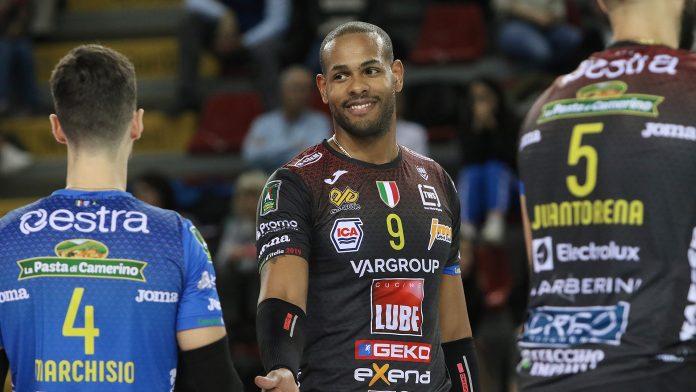 """Lube volley Civitanova, coach De Giorgi: """"Lavoro intenso, avanti con fiducia"""""""