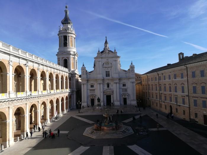 Loreto, cerimonia di accensione della Lampada della Pace, presenti Mattarella e Ceriscioli