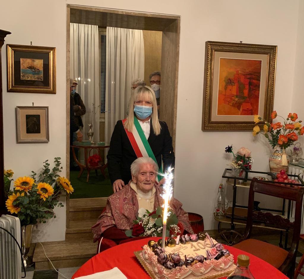 San Severino festeggia i 106 anni di nonna Luigia