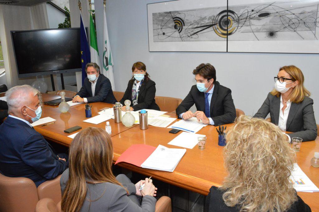 Pacchetto Covid, la Regione approva tre misure a sostegno delle micro imprese colpite da restrizioni