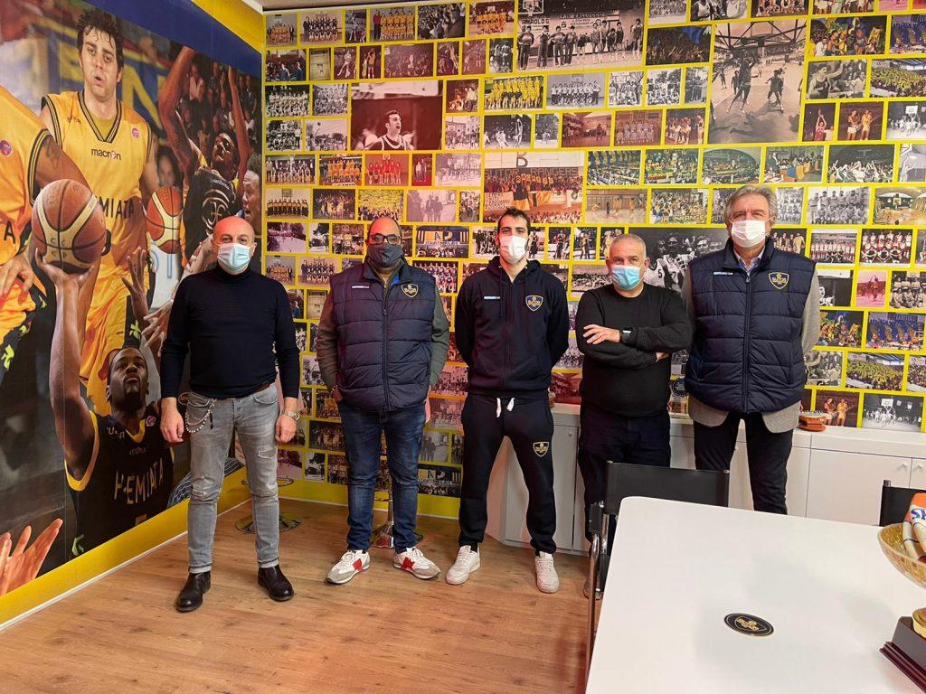 Sutor Montegranaro, rinnovata la sede che sa di storia del basket