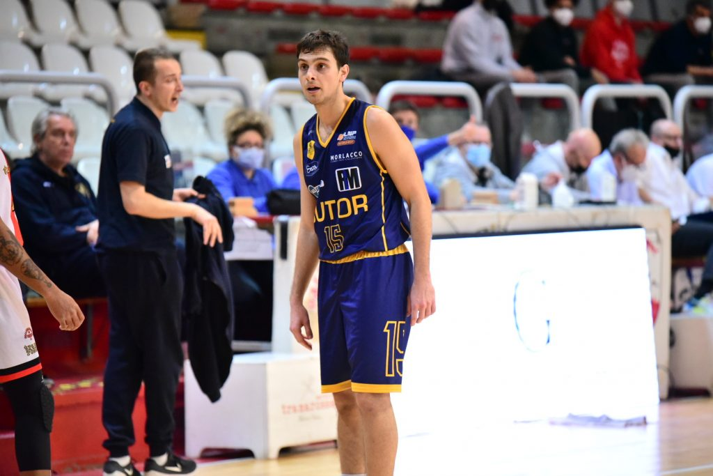 Sutor Basket Montegranaro esce sconfitta 79 a 66 a Vicenza