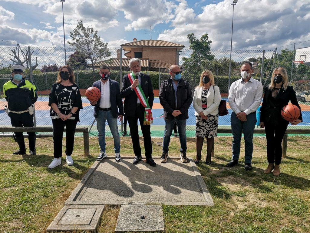 Macerata: Taglio del nastro per il nuovo campo da basket di Corneto