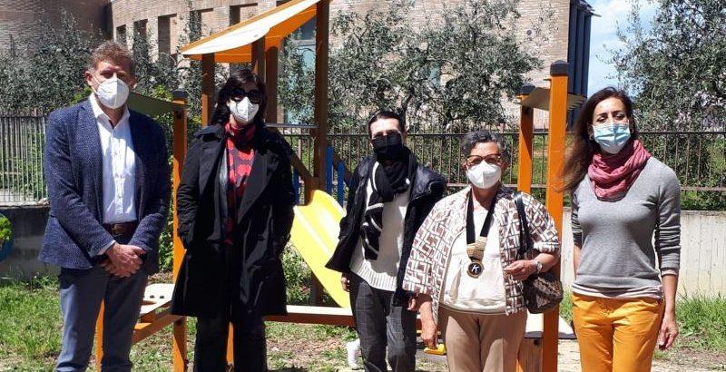 Fermo, materiale didattico donato dalle Associazioni Soroptimist e Kiwanis alla scuola San Tommaso