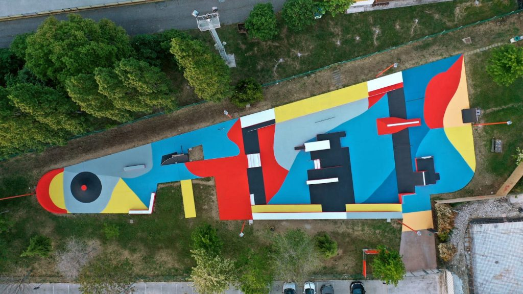Skate Park riapre a Civitanova: restyling d'arte urbana di Giulio Vesprini