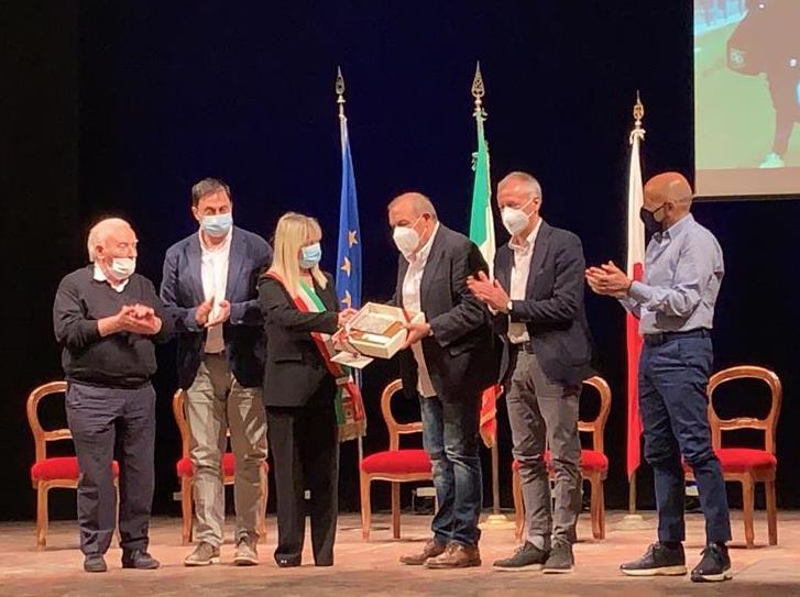 San Severino Marche saluta i successi di mister Fabrizio Castori