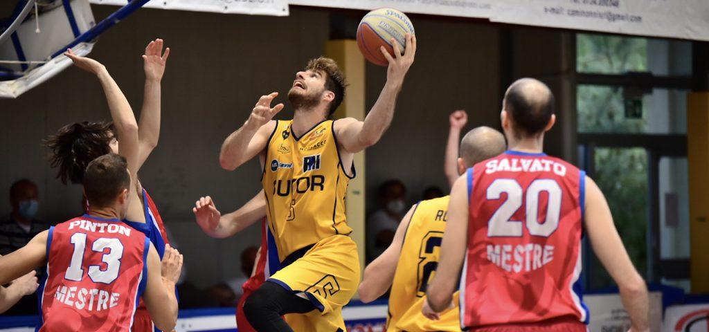 Sutor sconfitta anche in gara 2 dei playout a Mestre per 81-73.