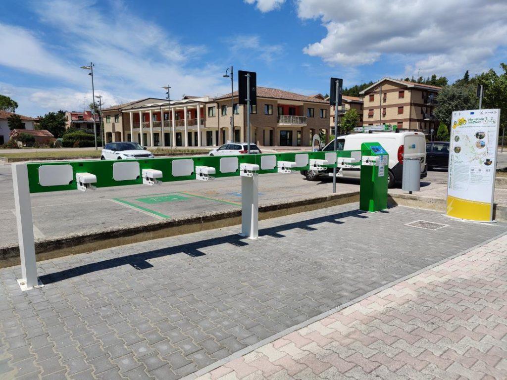 Colonnine per mezzi veicoli elettrici installate da Castelraimondo a Treia