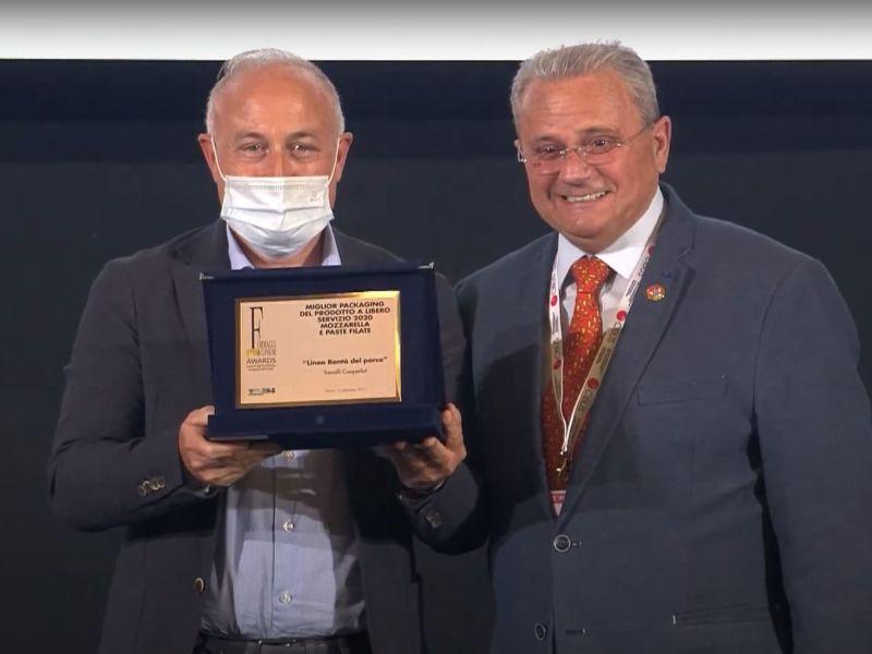 La Linea Mozzarella, burrata e stracciatella si aggiudica il prestigioso riconoscimento alla XII Edizione di formaggi e consumi awards