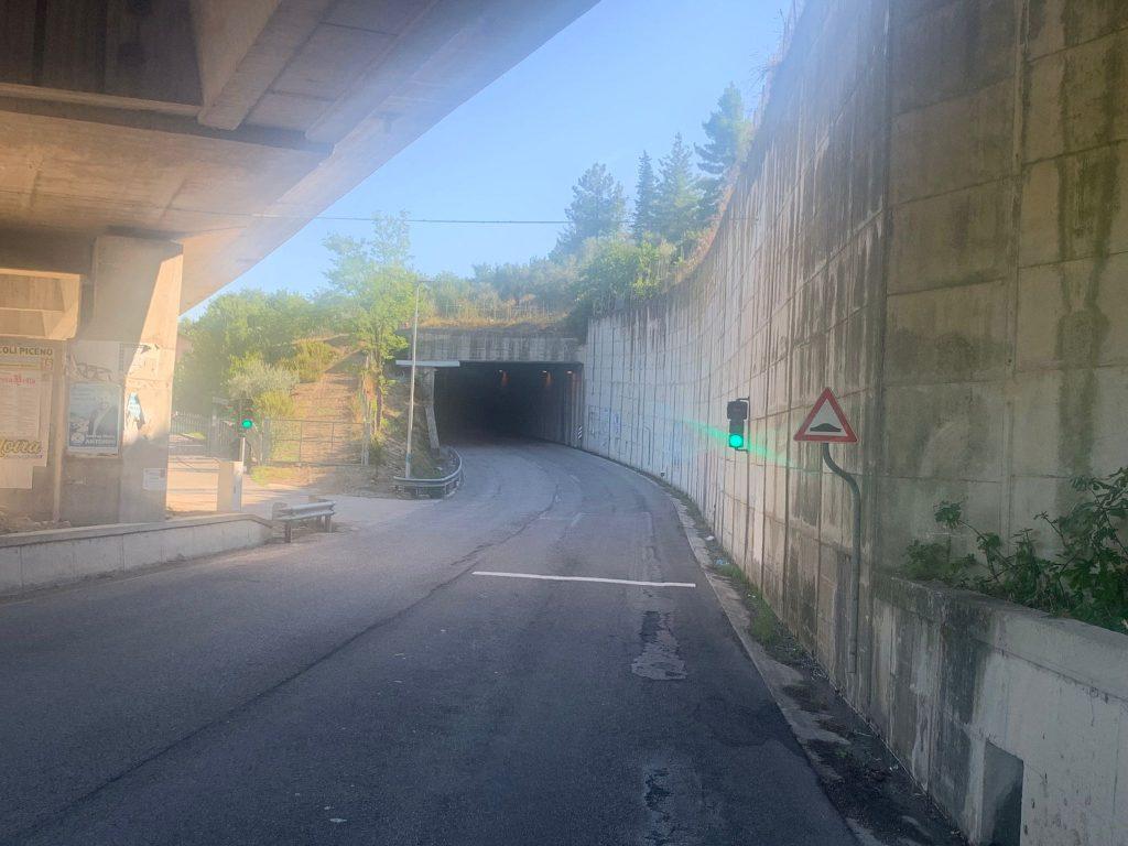 Attivato l'impianto semaforico sulla S.P. 226 Mozzano per migliorare la sicurezza stradale