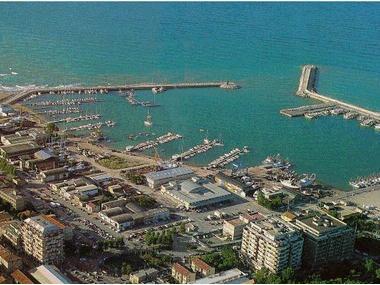 Civitanova, la giunta approva il progetto per il dragaggio del porto